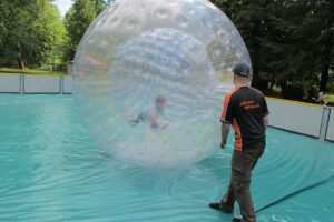 playandfunteam-Court-Zorbing-00