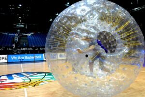 playandfunteam-fan-zorbing-00