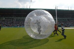 playandfunteam-Fan-Zorbing-03